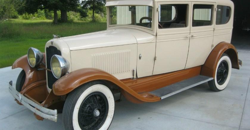 1936 REO Flying Cloud Sedan