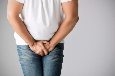أعراض الإصابة بدوالي الخصية