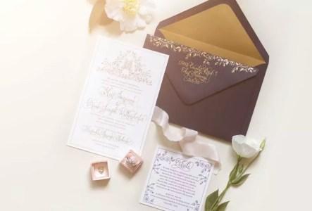 أحدث تصميمات لبطاقة الزفاف