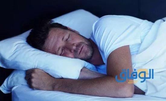 طريقة النوم الصحيحة للقلب