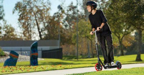 razor-carbon-lux-kick-scooter1.jpg