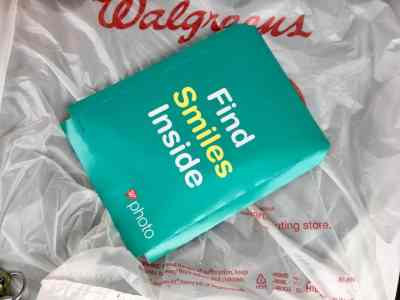 25 Walgreens Photo Prints Just 25¢ + Free In-Store Pickup