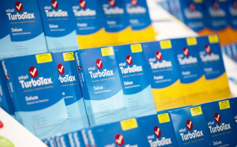 FREE $10 Amazon Gift Card with TurboTax Deluxe Software Purchase (Today Only)