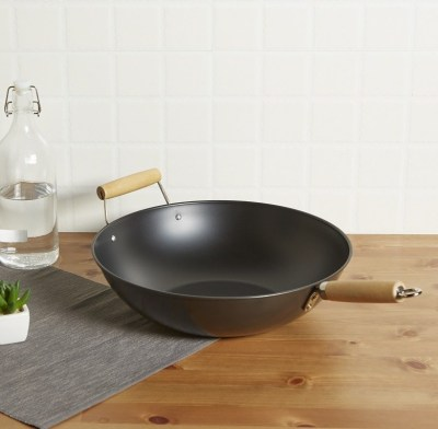 Mainstays 13.75″ Non-Stick Wok for $5.76 (Reg $8.00)