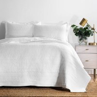Amazon : 100% Cotton Cross Stitch Quilted Coverlet Set Just $5!