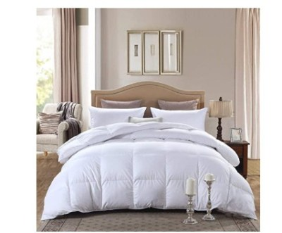 Amazon: Queen Size Down Alternative Comforter for $32.00 (Reg. Price $89.99)
