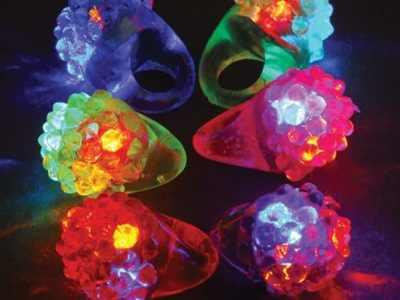 Zulily: Flashing Diamond Ring - Set of 12 Now $8.49