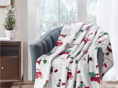 "Macy's: Cozy Plush 50"" x 70"" Throw Now $9.99 (Reg $50.00)"
