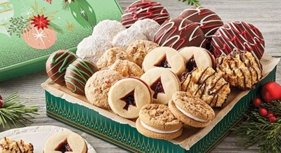 Zulily: Christmas Cookies Gift Set ONLY $34.99 (Reg $40)