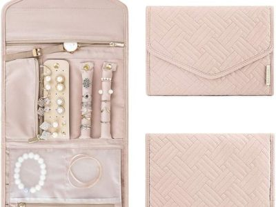 Amazon: Travel Jewelry Organizer Roll Foldable Jewelry Case, Just $9.99 (Reg $19.99) after code!