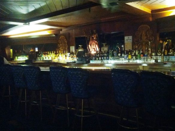 Fireplace Lounge bar - photo by Dean Curtis, 2015