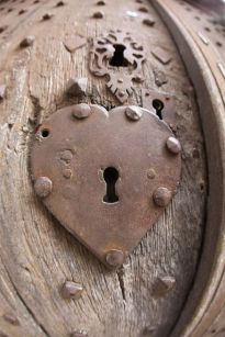 heart-key-hole