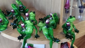 Frogs Holding Wine Glasses DearKidLoveMom.com