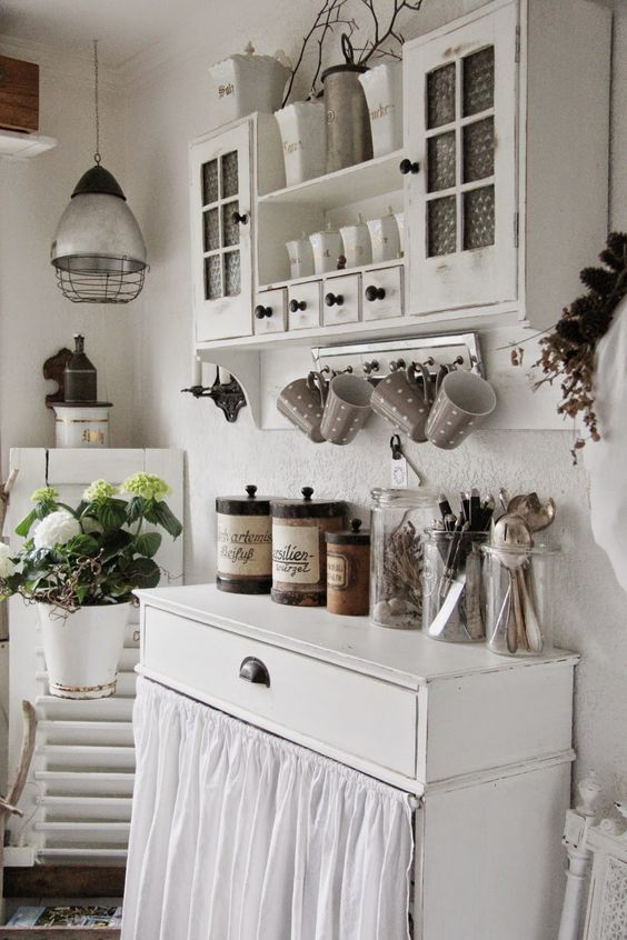 02-whitewashed-kitchen-furniture