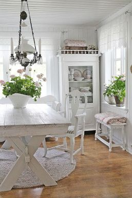 19-rustic-and-shabby-chic-whitewashed-kitchen