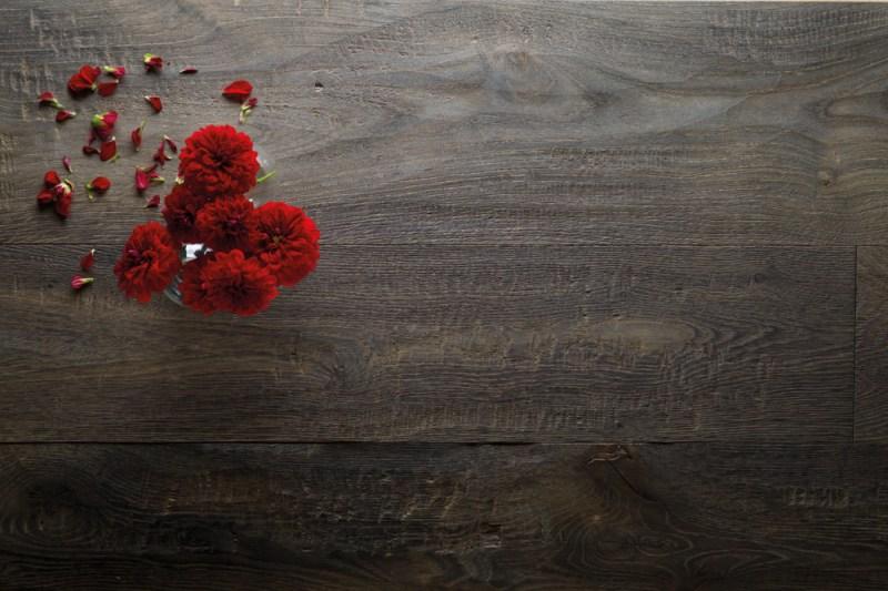Destrutturato-Rovere-Bisaccia-amb-fiori-rossi-3
