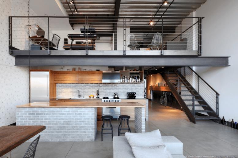 A Seattle una cucina trova la sua armonia tra legno, ferro e cemento
