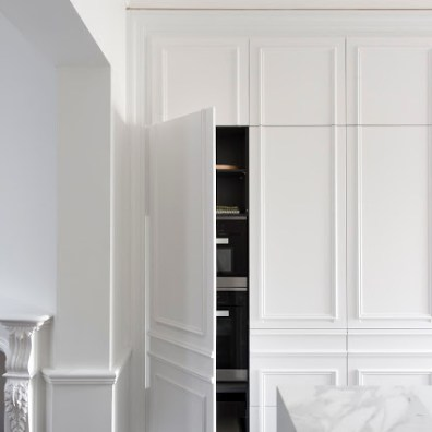 minosa-white-kitchen-parisioan-hand-made-door-calcutta-marble-block-herringbone-tongue-groove-hidden-kitchen-design-provisial-woollahra-design-award-kbdi-2015-01 (1 (15)