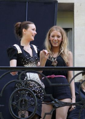 gossip-girl-day-3-france-filming-07