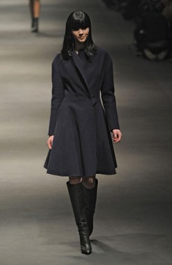 Lanvin-FALL-RTW-2010-PODIUM-019_runway