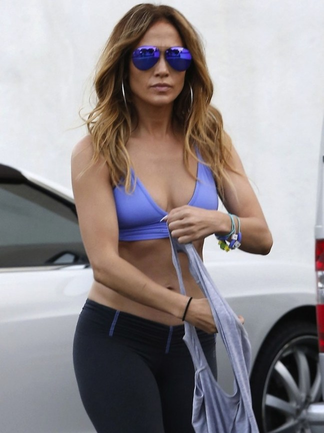 Exclusive... Jennifer Lopez Showing Off Her Toned Body