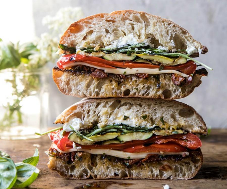 Υγιεινά σάντουιτς λαχανικών και τυριού