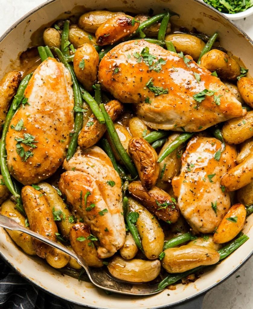 Κοτόπουλο με λαχανικά και σάλτσα μουστάρδας και μελιού