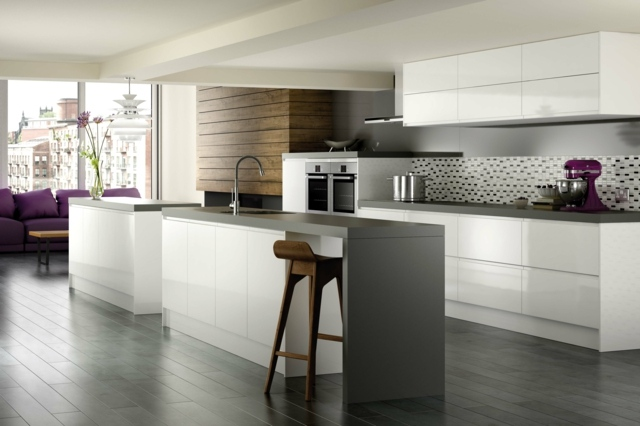 Grey and white kitchen decorating ideas. cocinas blancas y grises ...