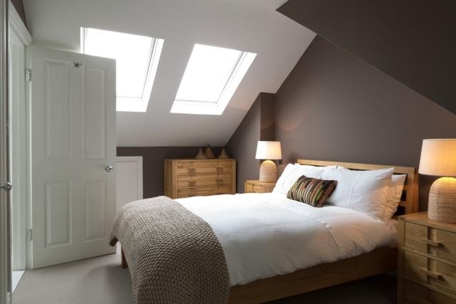 Farbgestaltung Mit Dachschrägen Wandgestaltung Schlafzimmer ...