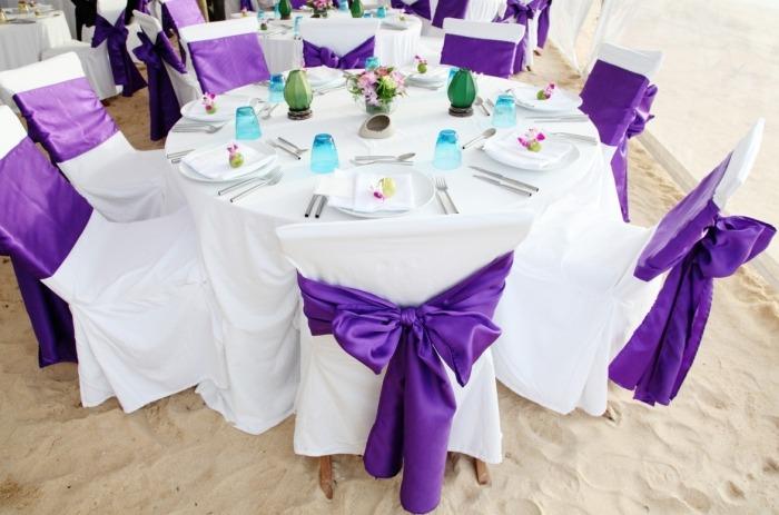 Lila Tische Zur Hochzeit Streudeko Und Windlichter Unter Http