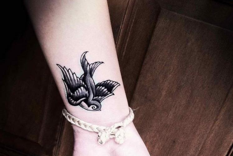 Tattoovorlagen Fur Frauen 50 Mini Tattoos Strong Magazine