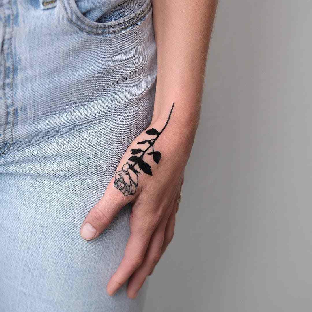 Kleine Tattoos 25 Ideen Fur Interessante Motive Und Tolle Designs