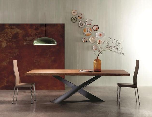 table a manger en bois naturel a pieds