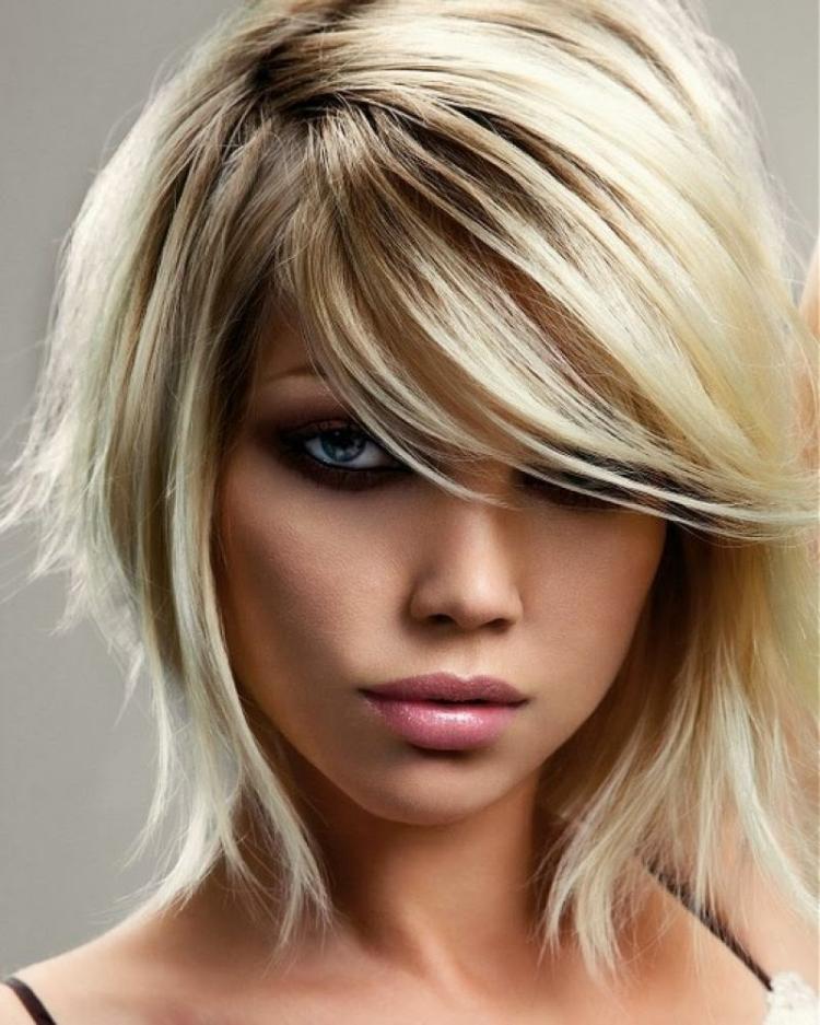 coiffure femme cheveux courts mi longs