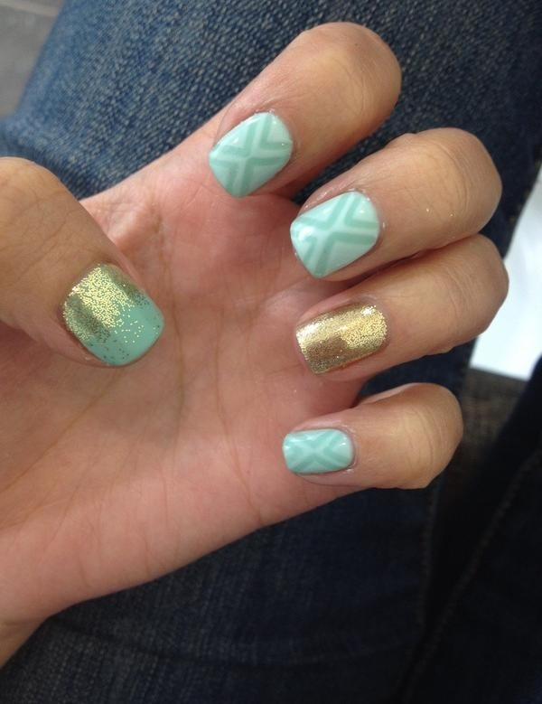 vernis-shellac-idee-deco-ongles-manucure-degradee-paillettes