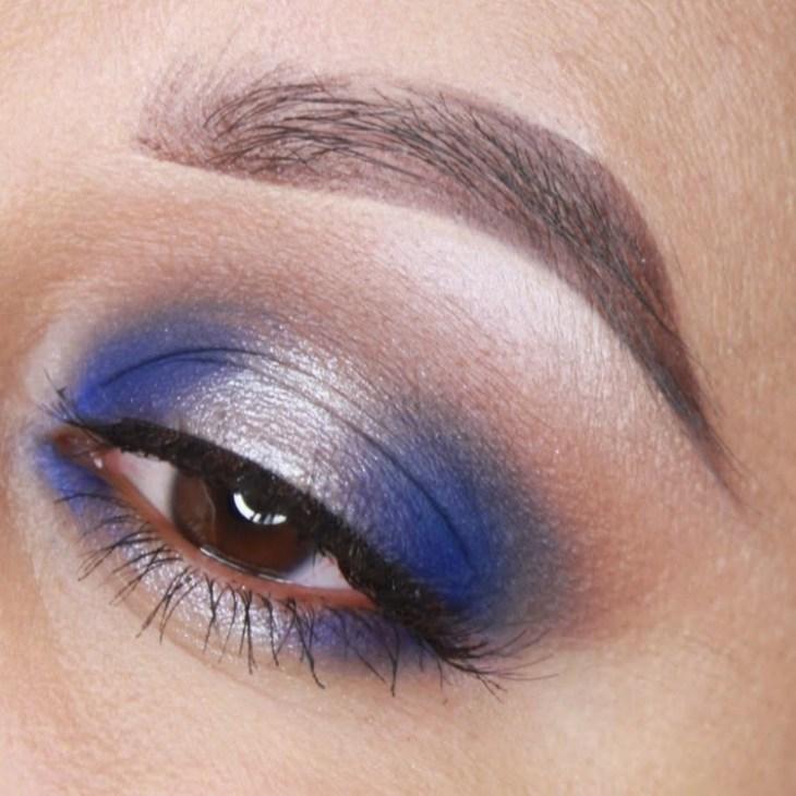 idees-maquillage-ete-bleu-argent-mascara