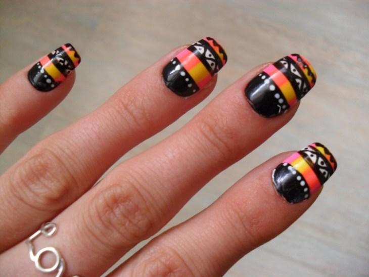 nail-art-motif-azteque-deco-ongles-orange-noir