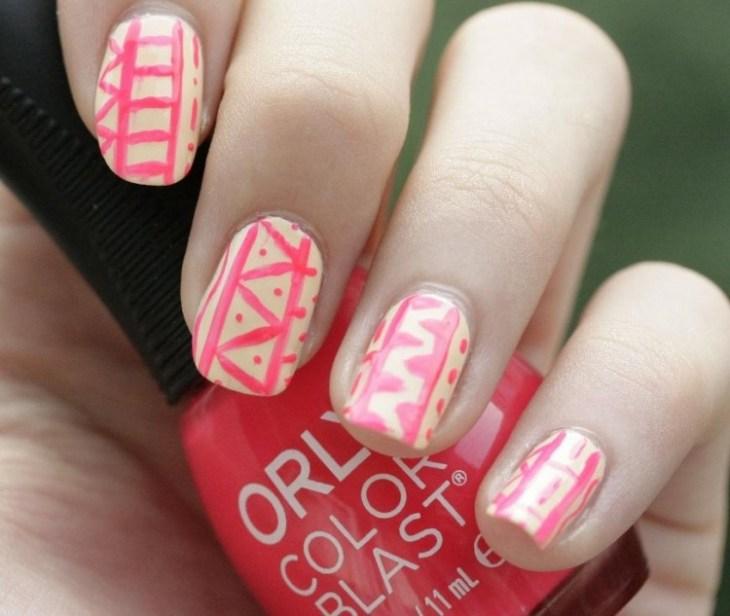 nail-art-motif-azteque-rose-blanc-vernis