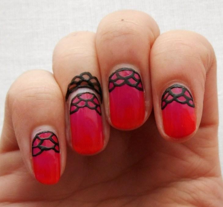 bijoux-peau-doigts-ongles-assortis-tatouages-temporaires-henné-dentelle
