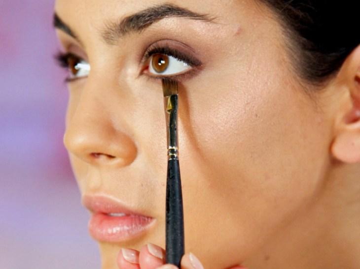 comment se maquiller les yeux conseils-souligner-paupière-inférieure