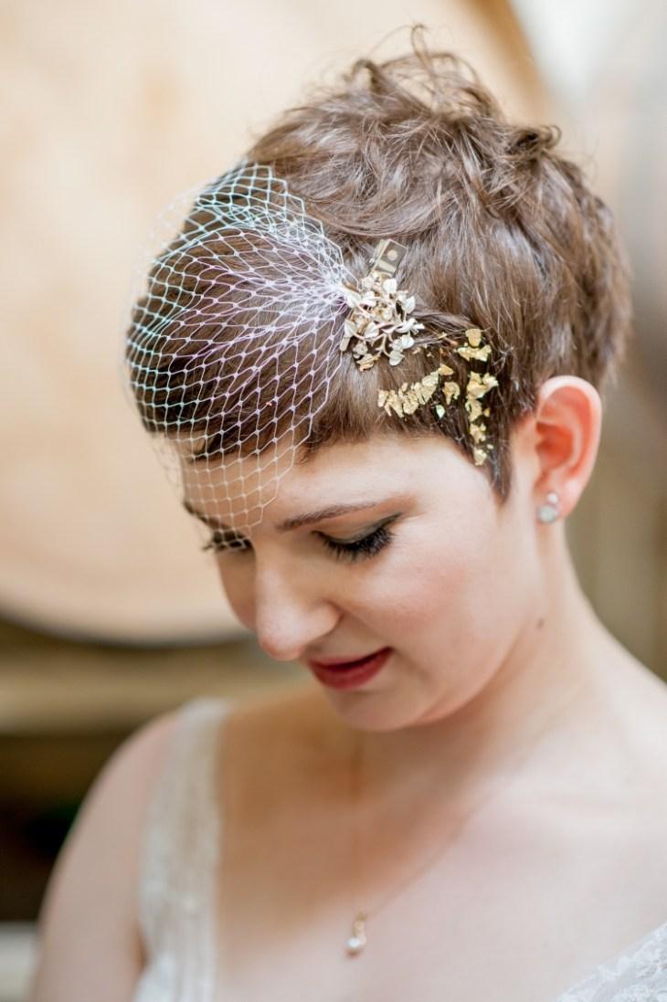 coiffure vintage soirée-cheveux-courts-voilette-tulle-blanc