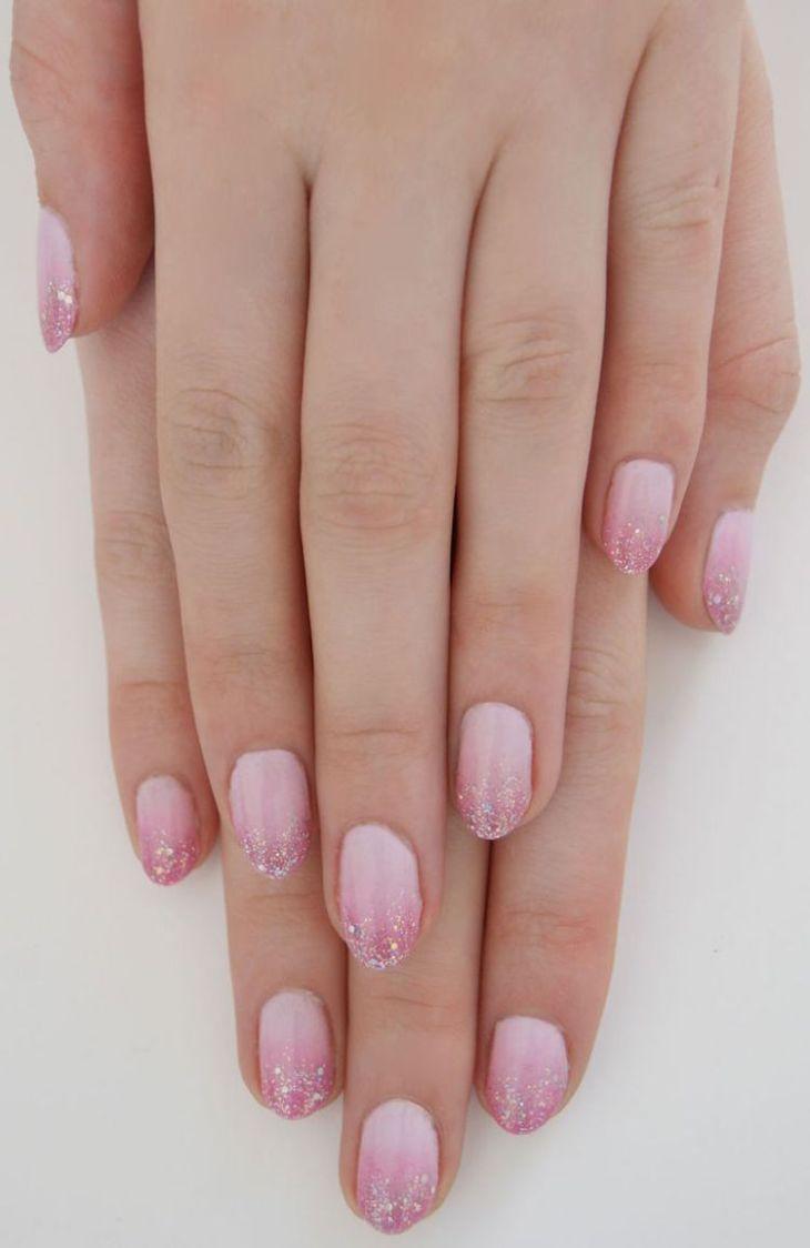 manucure-rose-pastel-dégradé-effet-ombré-pailleté