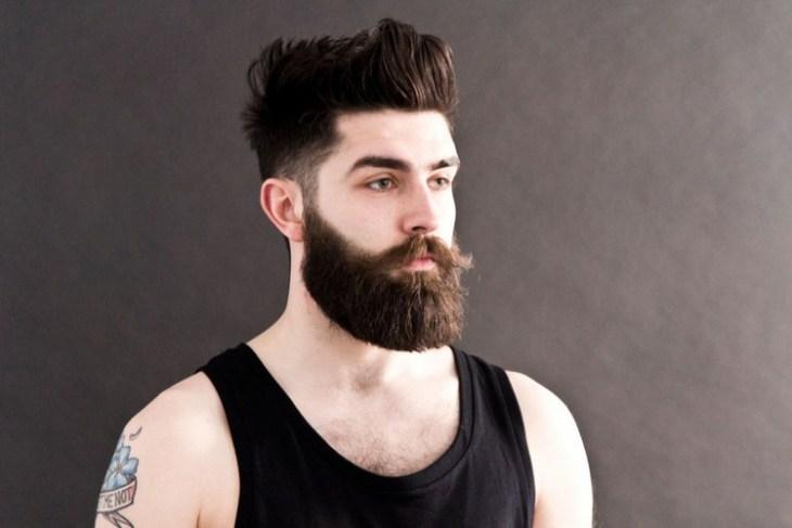 style-barbe-tendance-2016-barbe-hipster-longue-rasé-côté-long-dessus