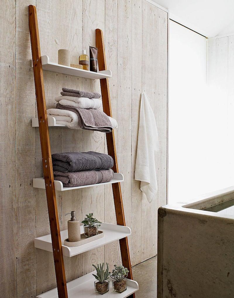 echelle salle de bain etagere ou porte