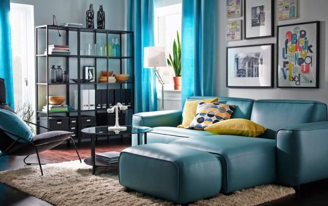 ambiance-salon-chic-ikea-canape-avec-meridienne-cuir-bleu-gris