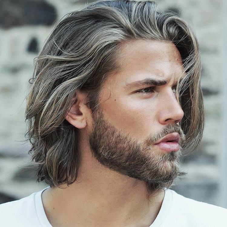 coupe homme avec barbe a la hausse le