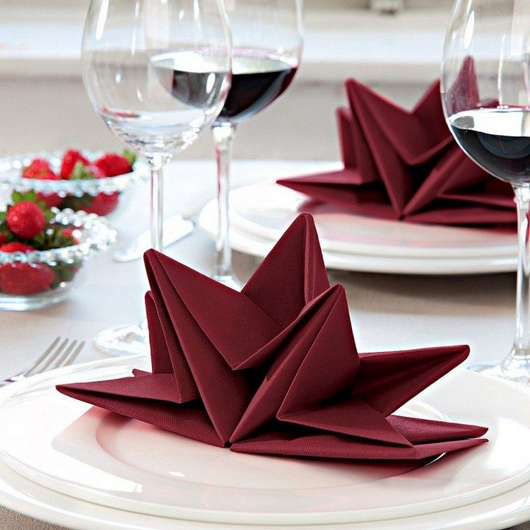 idee diy decoration table festive noel pliage serviette nouvel an 2018 pliage serviette nouvel an facile et elegant idees en photos a tester pour les