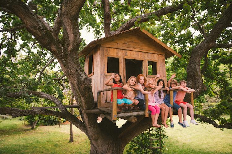 cabane dans les arbres bois design original cabane dans les arbres pour enfants 85 idees magnifiques pour des aventures insolites