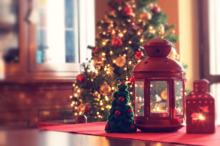 Apprenez à Détourner Les Lanternes En Jolie Décoration De Noël