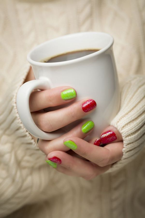 Easy Christmas Nails Ideas Add To The Festive Spirit Of Season
